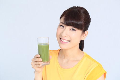 すっきりフルーツ青汁を飲むタイミングはいつ?