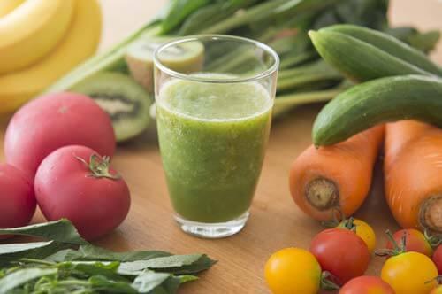 すっきりフルーツ青汁は80種類の栄養素を含んでいる